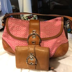 Pink Coach and Wallet {HOBO}